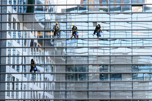 When To Clean Your Windows Professionally