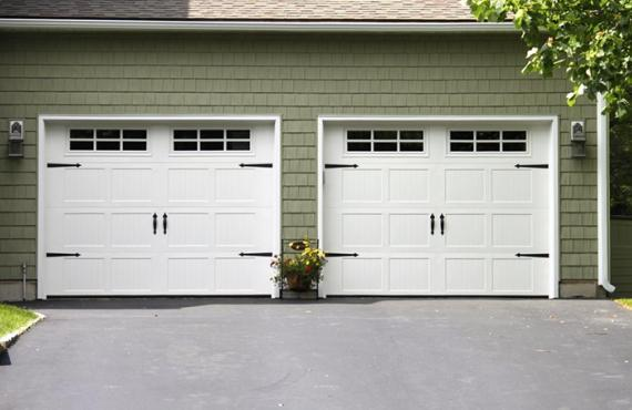 How To Choose Whether To Repair Or Replace Your Garage Door?